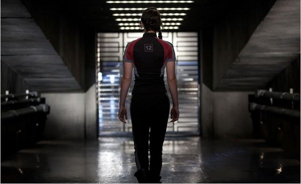 Hunger Games 1 Lawrence dos mais pas combi cuir