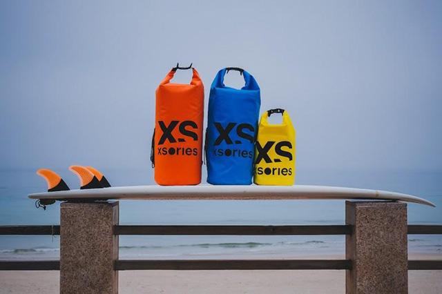 Stuffler, le sac imperméable de Xsories pour la plage