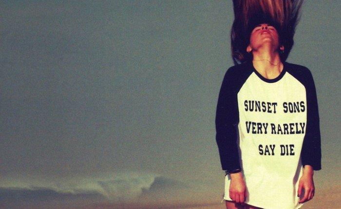 SunsetsonsVeryRarely-haut
