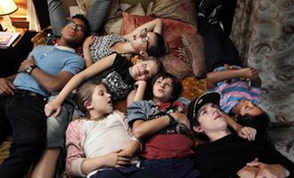 C'est quoi cette famille ?! de Gabriel Julien-Laferrière avec Julie Gayet
